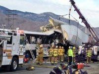 Tur otobüsü ile TIR çarpıştı, 13 ölü 31 yaralı