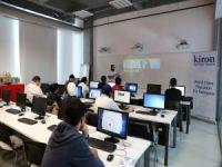 Başakşehir'de mülteci öğrenciler için kodlama çalıştayı düzenlendi