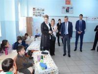 Vali Deniz okulları ziyaret etti