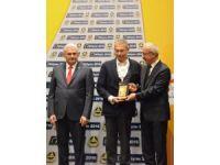 Başbakan Binali Yıldırım'dan Türk Telekom'a Bilişim ve Demokrasi Ödülü