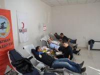 Belediye personeli kan bağışında bulundu