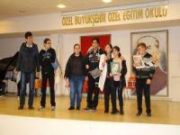 Antalya'da özel öğrencilerin karne sevinci