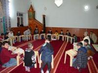Karne tatilinde Kur'an öğreniyorlar