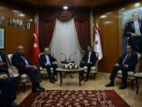 Başbakan Yıldırım, KKTC Başbakanı ile bir araya geldi
