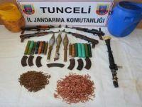 Tunceli'de PKK'ya ait 2 ton patlayıcı ve mühimmat yakalandı