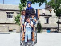 Suriyeli anne engelli çocuğu için yardım bekliyor