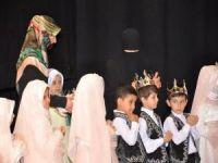Kur'an-ı Kerim eğitimi gören minikler taçlandırıldı