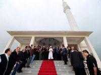 Görmez YYÜ'de cami açılışına katıldı