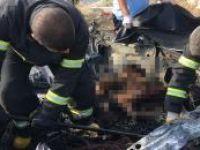 Köprüden uçan otomobildeki 2 kişi yanarak can verdi