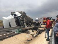 Mardin'de TIR'lar çarpıştı: 2 yaralı