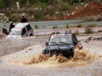 Ardeşen'de Yağış Ekipleri Zorladı