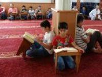 Viranşehir'de mukabele halkası camiye renk kattı