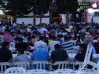 Kızıltepe'de yüzlerce kişiye iftar yemeği verildi