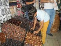 Ramazan'ın vazgeçilmezi hurma tezgâhlarda