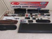 Van'da ASM'ye giren hırsızlar yakalandı