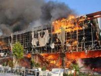 İzmir'de AVM'de dev yangın!