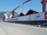 Umudu Ol gemisi Yemen halkı için yükünü almaya başladı