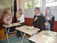 İşaret diliyle Kur'an-ı Kerim öğreniyorlar