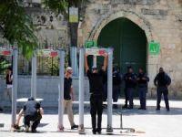 Siyonist işgalciden küstah açıklama: Detektörler kalacak!