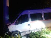 Öğrencileri taşıyan minibüs kazasında 15 yaralı