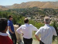 Vali Ustaoğlu: Çarpık kentleşme nedeniyle Bitlis'in simgesi beş minare görünmüyor!