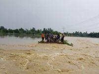 Nepal'de Sel Felaketi! 47 Ölü!