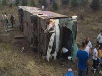 Yolcu otobüsü faciası!: 4 ölü 18 yaralı