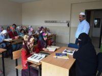Camileri olmadığı için okulda Kur'an dersi alıyorlar