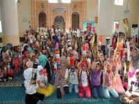 Kur'an-ı Kerim öğrenen yüzlerce çocuğa MÜSİAD'tan hediye