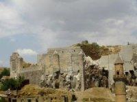 Bitlis Kalesi turizme açılmayı bekliyor