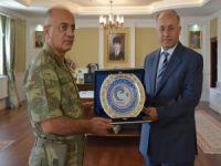 Tümgeneral Özoğlu'ndan Erzurum Valisine ziyaret