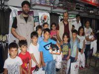 Avrupa Yetim-Der Mersin'de yetim çocukları giydirdi