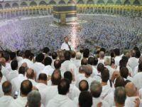 Milyonlarca hacı adayı Arafat vakfesinde