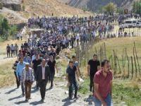 PKK'nın katlettiği işçiler toprağa verildi