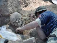 Hasankeyf'te 11 bin 500 yıl öncesine ait çok sayıda insan iskeleti bulundu