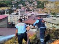 Mahallelerde çıkan yangına itfaiye müdahale etti
