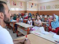Suriyeli çocuklar geleceğe umutla bakıyor