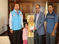 Yarışmada kazandığı ödülü Arakan'a bağışladı