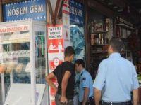 Hırsızlar telefon dükkanına dadandı