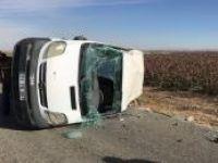 Kontrolden çıkan minibüs takla attı: 4 yaralı