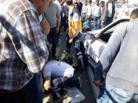Otomobilin çarptığı anne ve 2 çocuğu ağır yaralandı