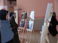 DÜ'de Arakan konulu resim sergisi açıldı