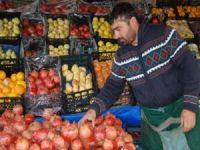 Kışlık sebze ve meyveler tezgahlardaki yerini aldı