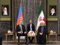 Aliyev Ruhani ile bir araya geldi