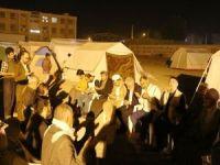 Umut Kervanından depremde hayatını kaybedenlerin yakınlarına taziye ziyareti