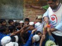 Yetimler Vakfı'ndan medreseli Arakanlı çocuklara sıcak aş