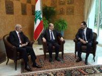 Hariri istifasını askıya aldı