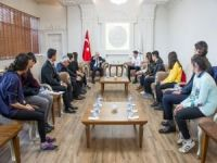 """Vali Zorluoğlu: """"Savaşlarda en çok mağdur olan maalesef çocuklar oluyor"""""""
