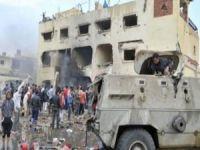 Mısır'da camiye bombalı saldırı: 155 kişi hayatını kaybetti