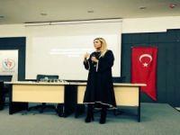 Pınar Holt: 'Teknolojinin nimetlerinden yararlanalım ama hayata spor ile bağlanalım'